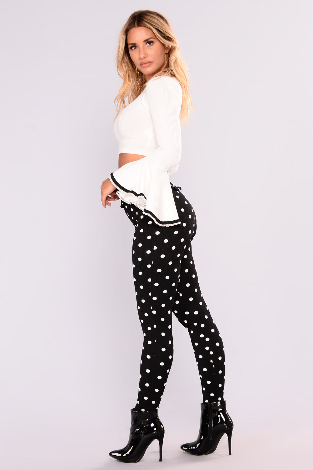 Find and save ideas about Polka dot pants on Pinterest. | See more ideas about Teacher style, Brown pants outfit for work and Teacher wardrobe. Women's fashion. Polka dot pants Black/white polka dot pants, black top, yellow handbag and shoes. Find .