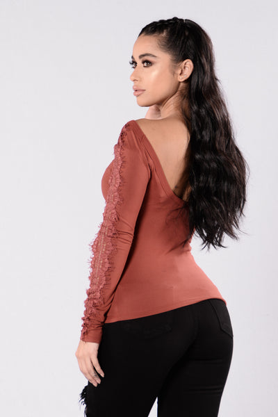 Surprise Me Top - Burgundy