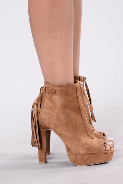 Desert Gal Boot - Chestnut