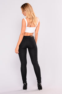 No Explanation Necessary Skinny Jeans - Black