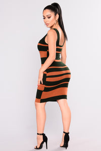 Mix It Up Knit Dress - Rust/Hunter Green