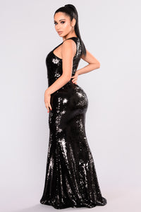 Grandeur Sequin Dress - Black Angle 4