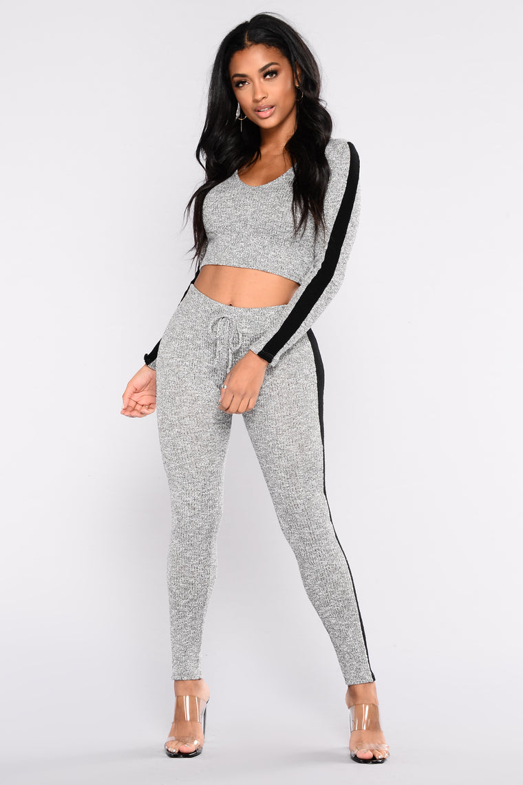 Track Star Active Top - Heather Grey/Black