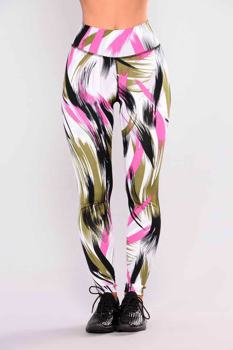 All Over The Place Print Leggings - Black/Multi