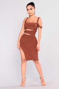 Cut It Out Midi Dress - Red Brown