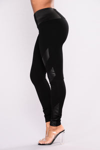 Dahlia Faux Leather Ponte Leggings - Black Angle 3