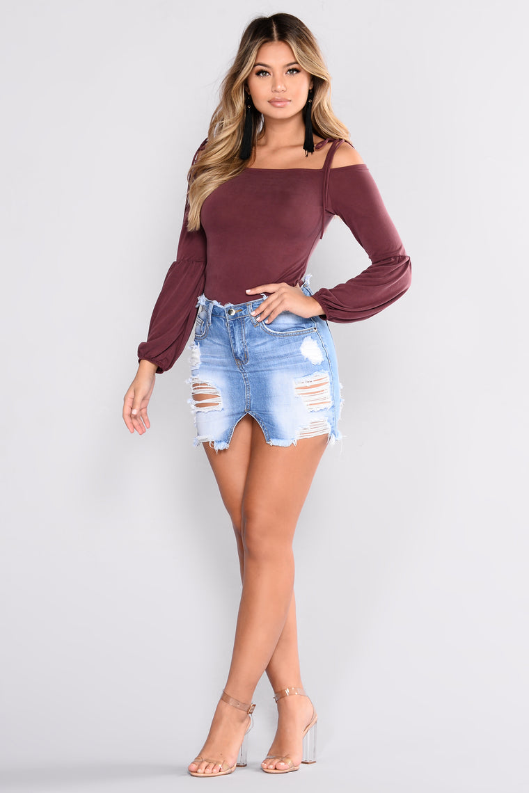 Raquelle Cold Shoulder Top II - Dark Burgundy