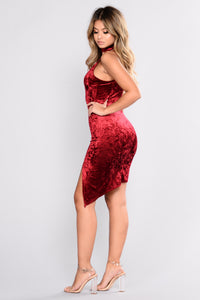 Jesse's Girl Velvet Dress - Burgundy