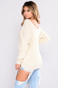 Falls Favorite Twist Sweater - Ivory