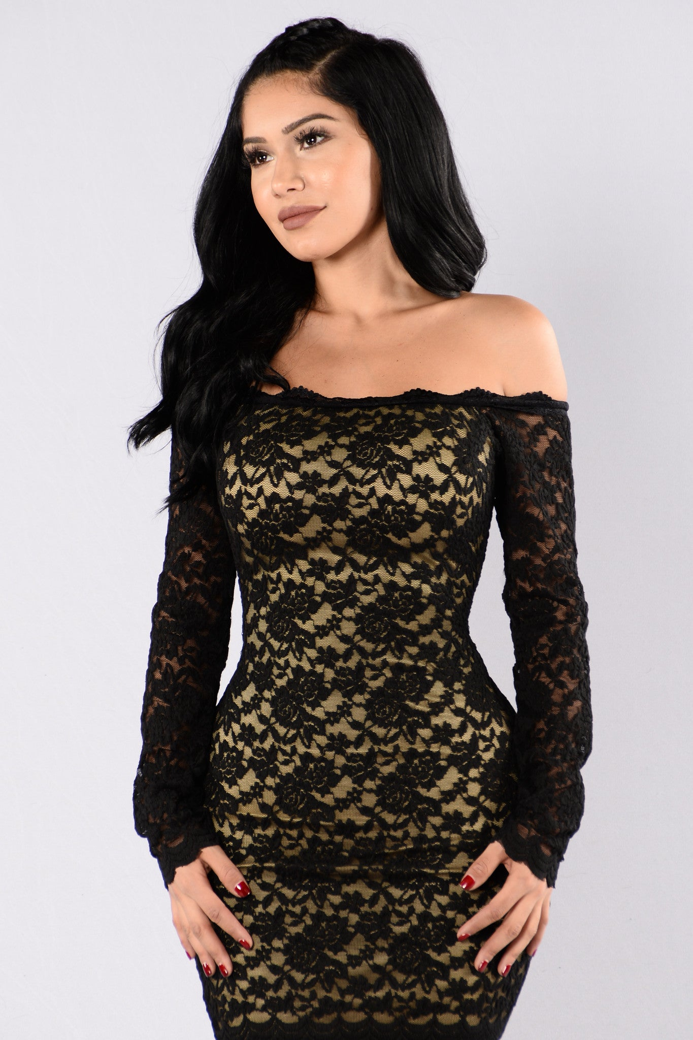 Bodycon lace dress with off shoulder