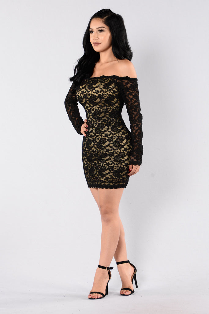 Off Shoulder Lace Bodycon Dress - Black