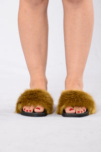 Rock Star Sliders - Olive