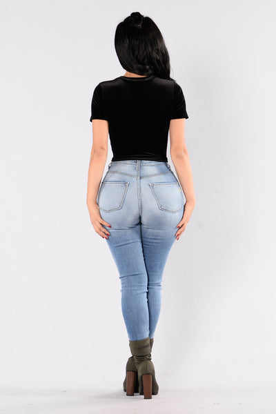 Bet On Velvet Top - Black