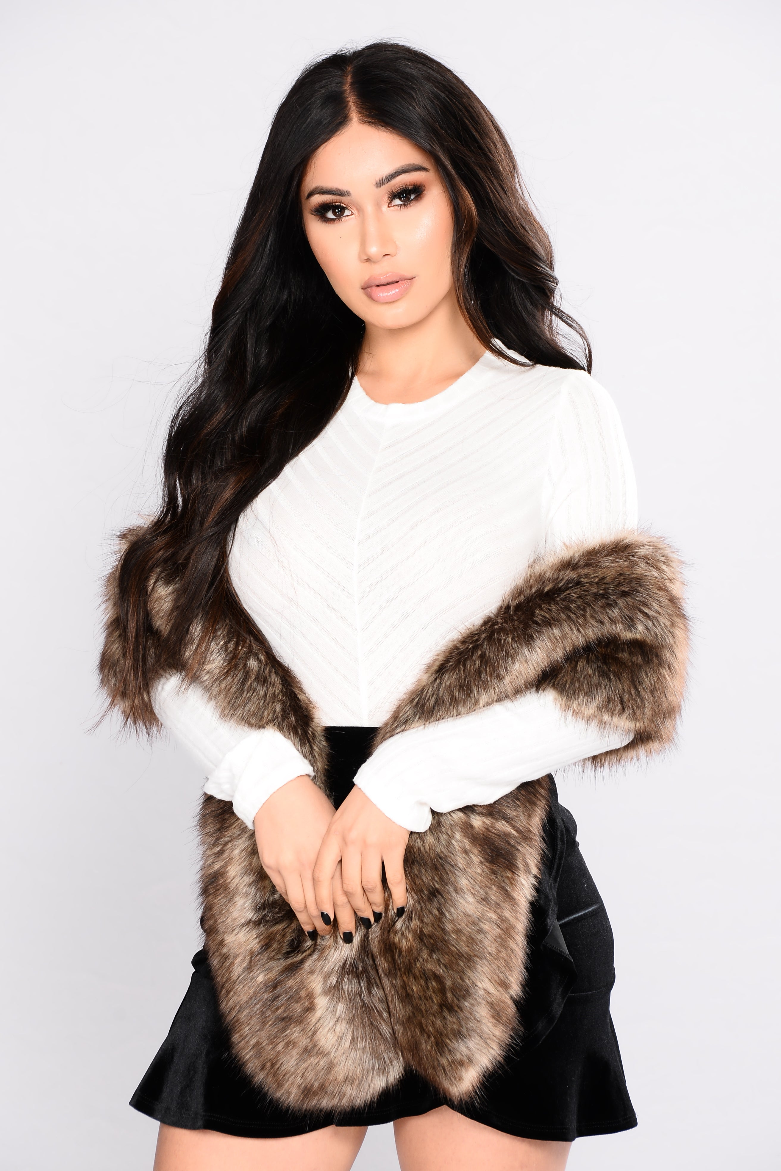 Helan Womens Fashion Style Faux Fur Ball Cape Coat Shawl Large Scarves Cloke