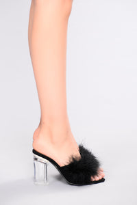 Isamar Feather Heel - Black