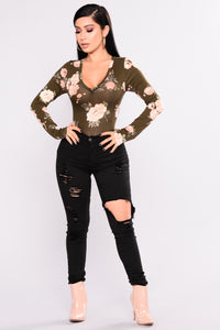 Do It My Way Floral Top - Olive