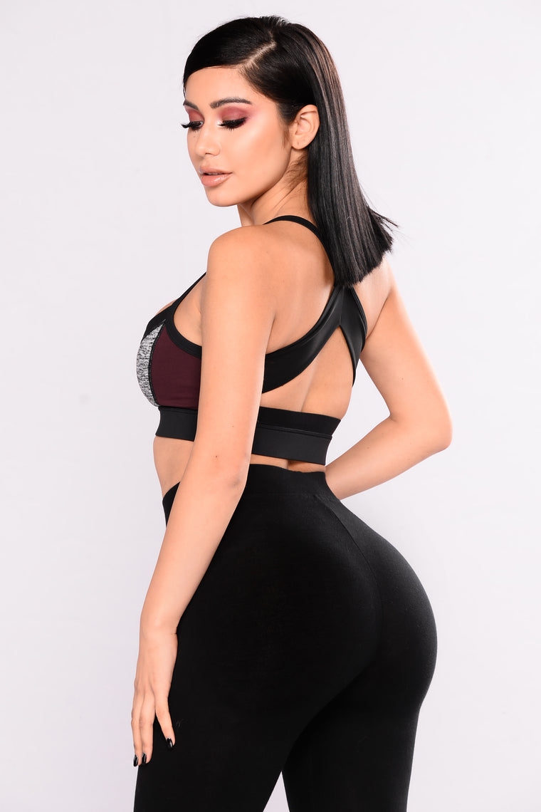 Teeki Cutout Active Sports Bra - Black/Burgundy