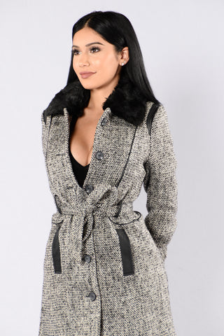 Classic Love Coat - Black
