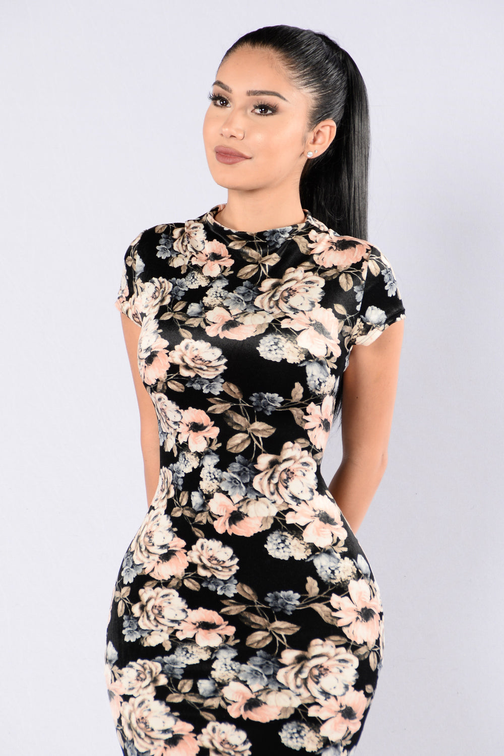 Among The Daisies Dress - Black