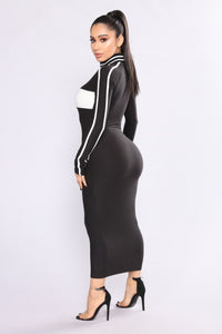 To The Finish Zipper Dress - Black/White