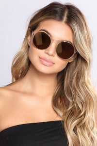 Show Off Sunglasses - Gold