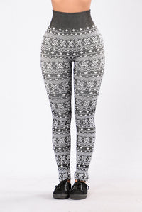 On Holiday Fleece Leggings - Black/White Angle 1