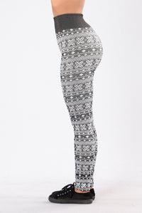 On Holiday Fleece Leggings - Black/White Angle 4