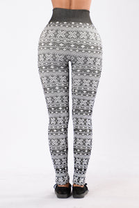 On Holiday Fleece Leggings - Black/White Angle 3