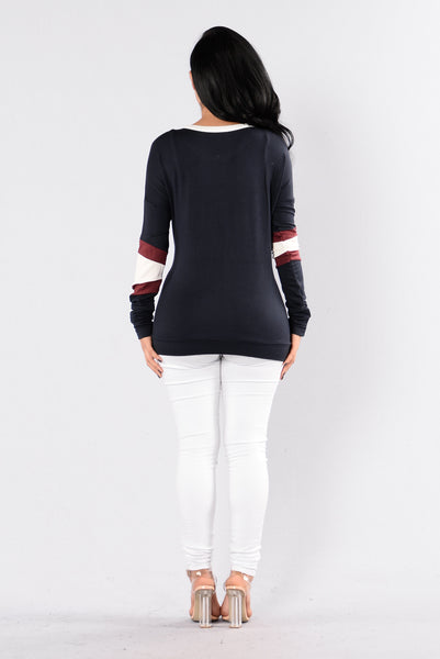 Line Out Top - Navy/Wine