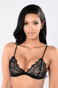 Lay Me Down Bralette - Black