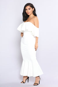 Wide Shot Ruffle Dress - Ivory