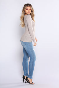 We Go Way Back Skinny Jeans - Medium Blue Wash