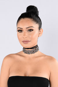 Unbothered Choker - Black