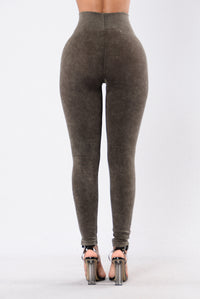 Ripped to Shreds Leggings - Chocolate
