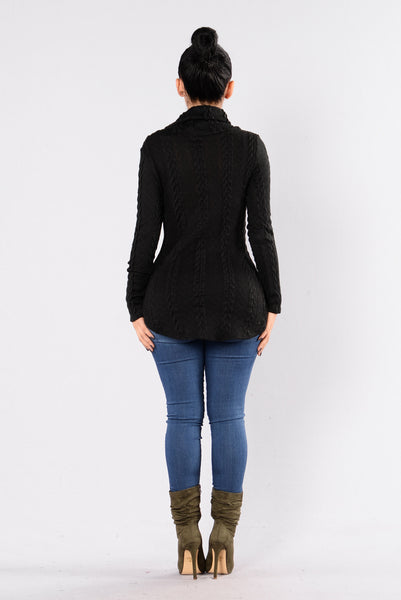 Cabin Lover Sweater - Black