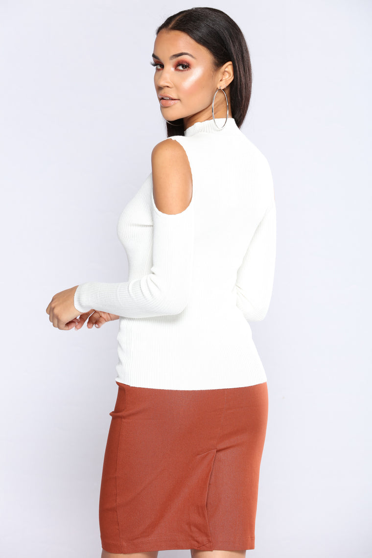 Carolina Cold Shoulder Sweater - Ivory