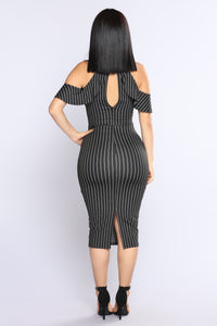 Pin It On Me Midi Dress - Black