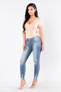 Weak At The Knees Jeans - Medium Wash Angle 2