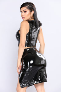 Loreina Latex Crop Top - Black