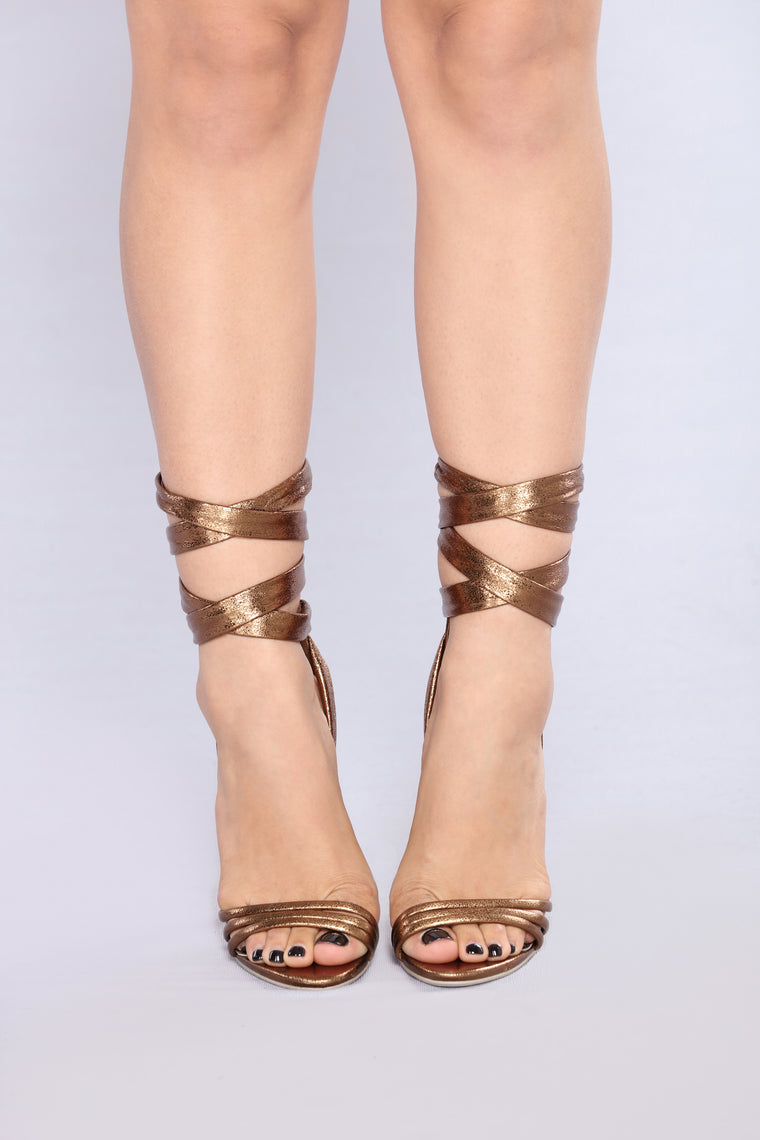 Wrap Me Up In Wonder Heel - Bronze