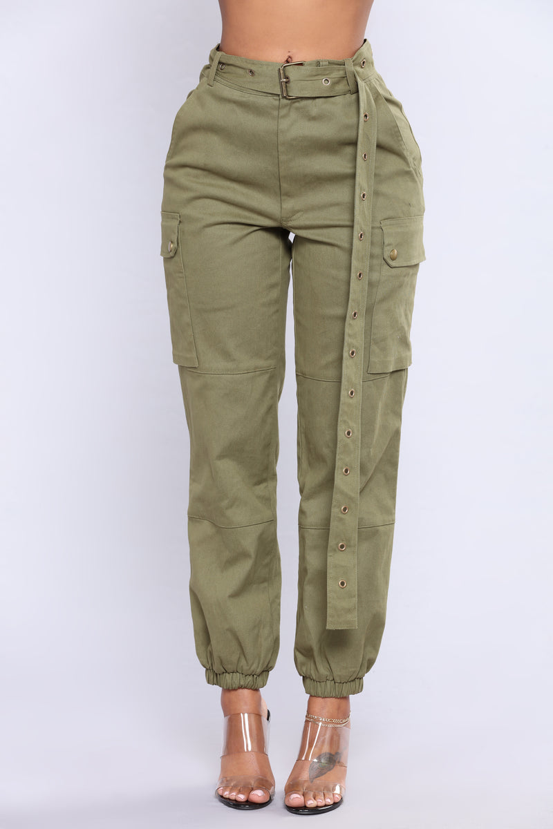 Cargo Chic Pants - Olive