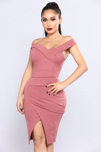 Dark Stunner Dress - Dark Rose