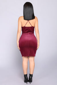 Esmay Velvet Dress - Wine