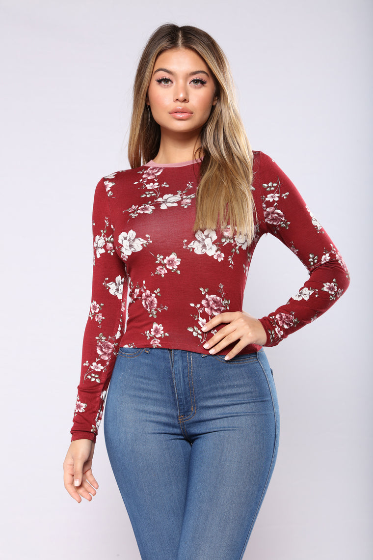 Can't Switch On Me Top - Burgundy