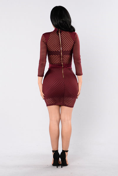 Sight To See Dress - Burgundy