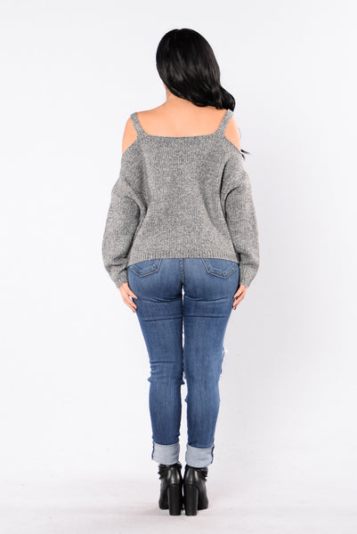 Don't Try Hard Sweater - Grey