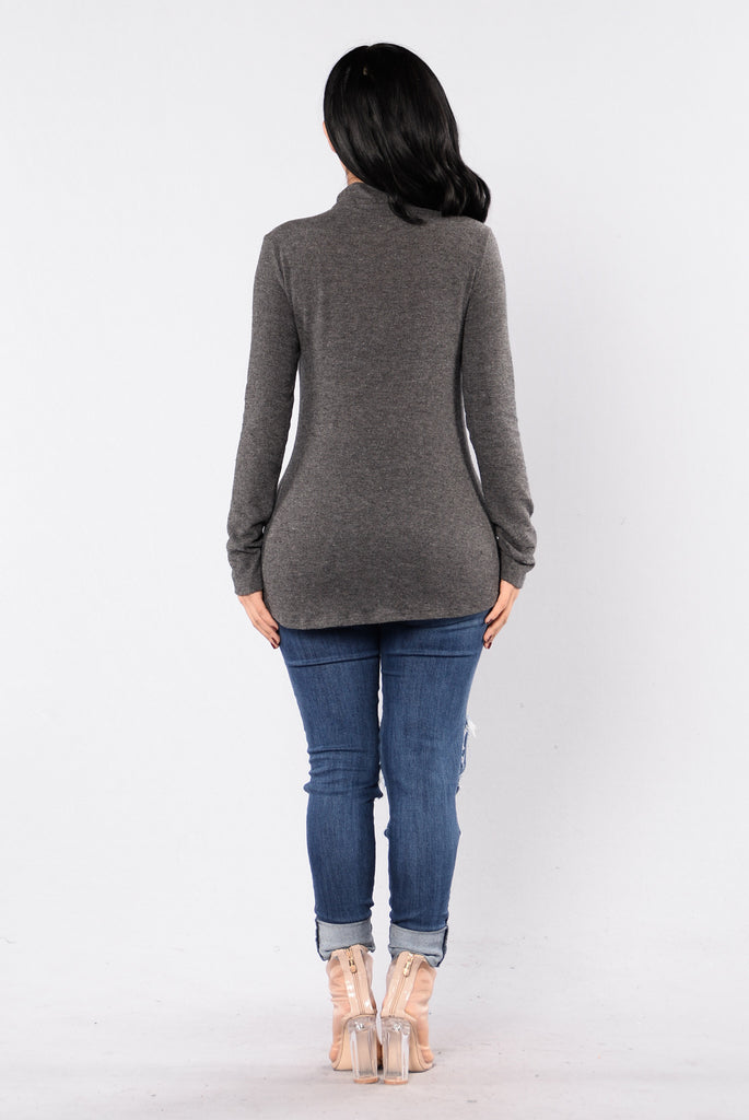 War Of Hearts Sweater - Smokey