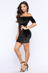 Yanni Velvet Dress - Black