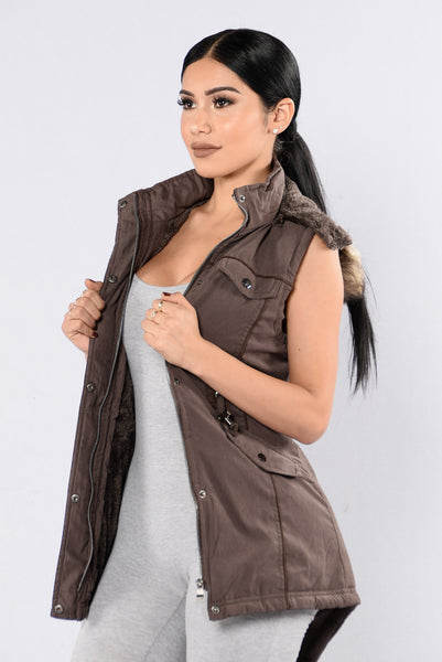 Keep Warm Vest - Coffee