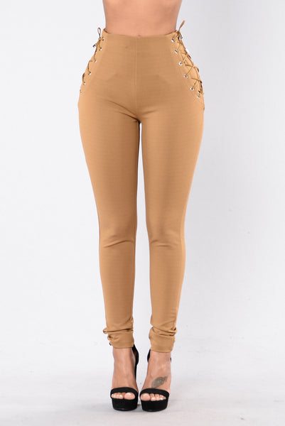 Turn And Pose Pants - Mocha